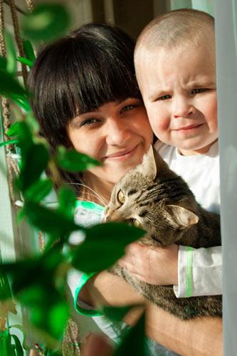 Данила Федотов с кошкой Марусей