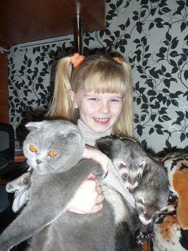 Мои весёлые подружки Хорьки Шанталь и Эстель, а также кошка Бэтти. Рыбакова Настя