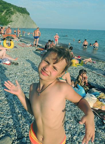 Море Черное, пляж галечный.