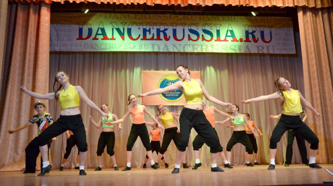 Самые танцевальные каникулы, или  GRAFFITI в Танцевальной деревне