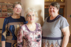 Три подруги, которых объединила любовь к песне.