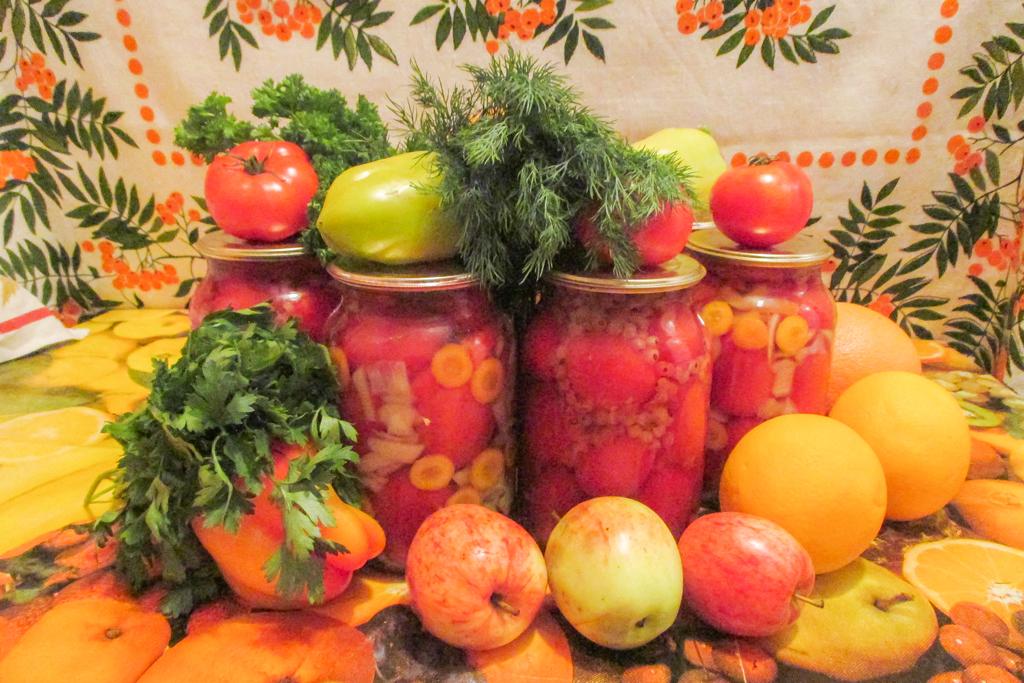 Маринованные помидоры.