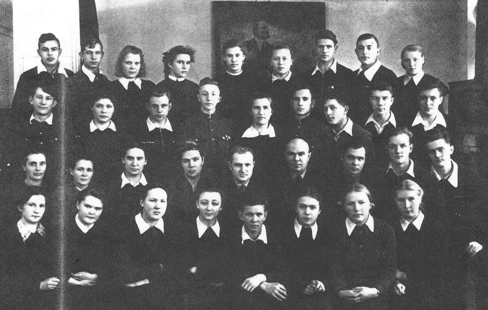 Выпускники 1957 год.