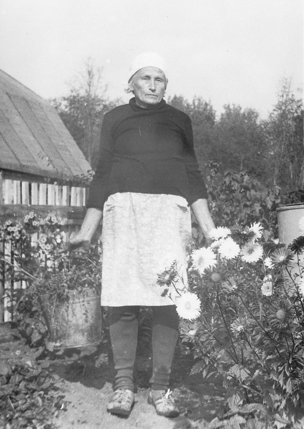 Наталья Тимофеевна до глубокой старости трудилась по хозяйству.