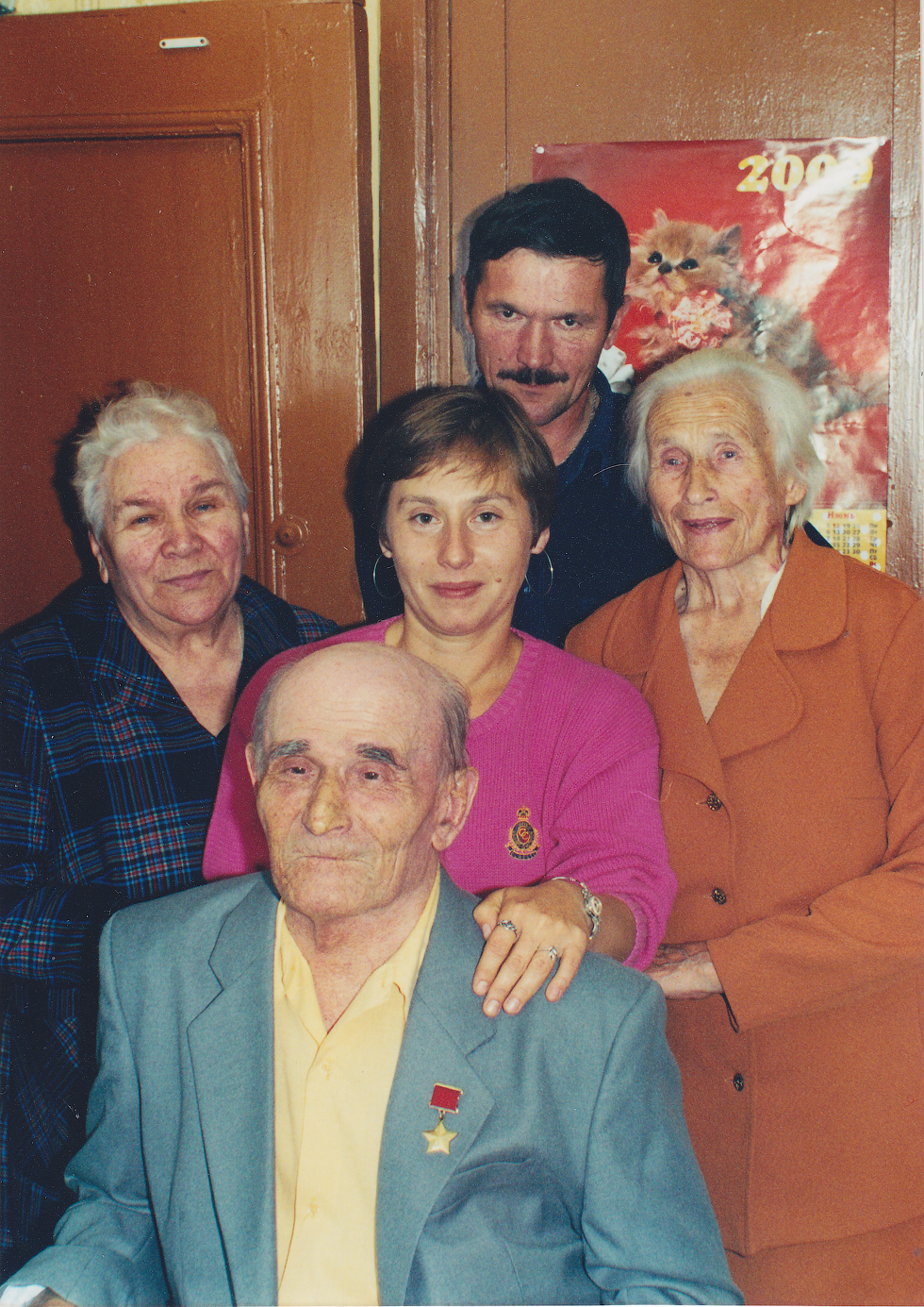 Наталья Алмазова - родная сестра Героя СССР Николая Александрова. В этой семье не понаслышке знают о тяготах военного времени.