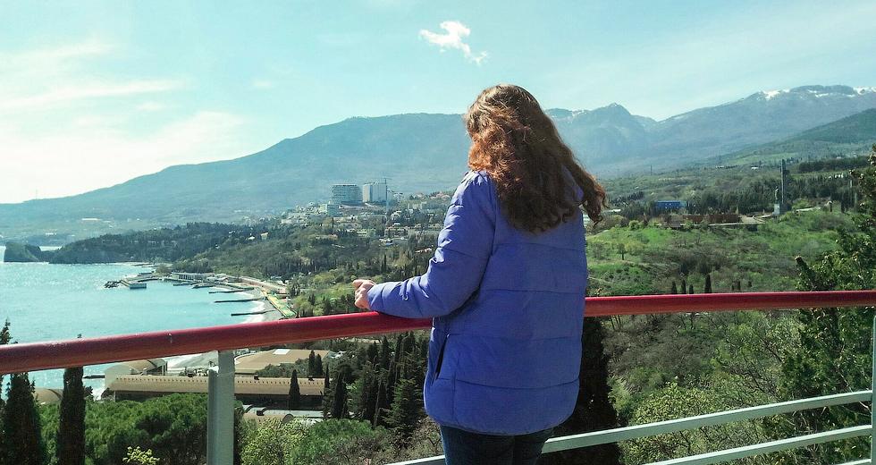 Пейзажи Крыма вдохновили юную художницу.