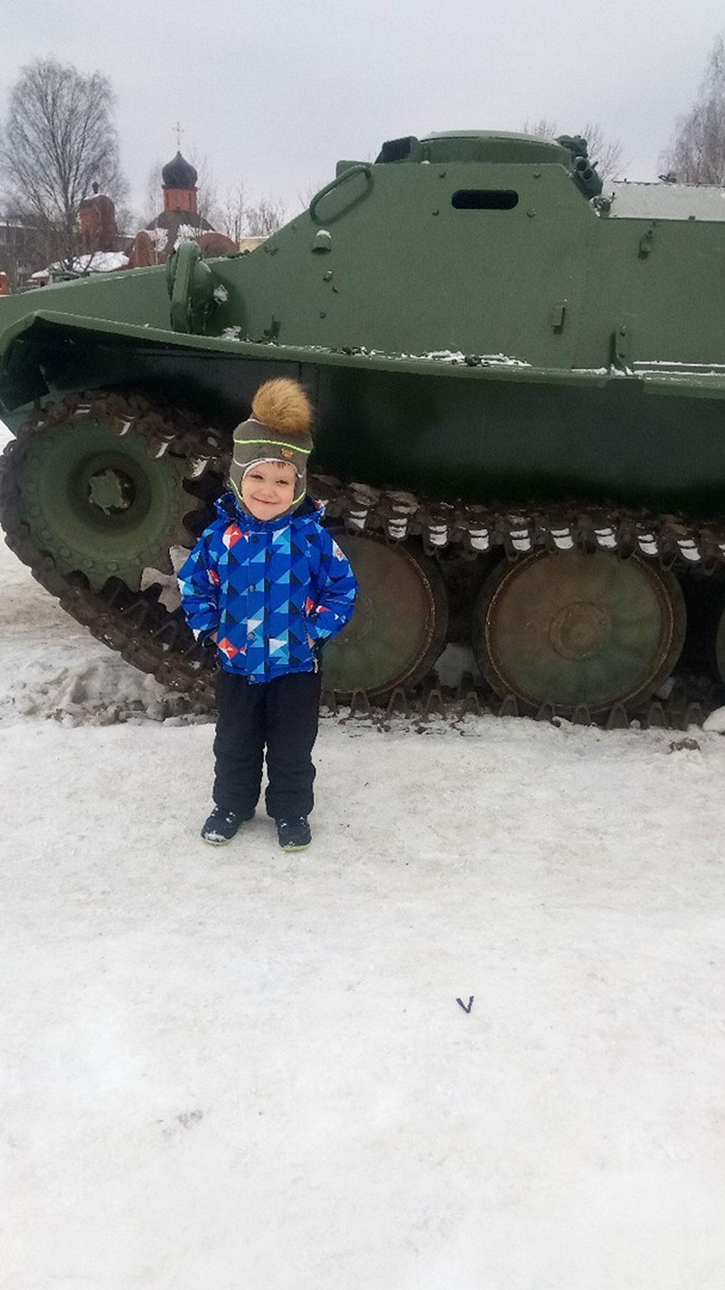 №4 Счастливый будущий танкист.  Автор: Юлия Бушенева
