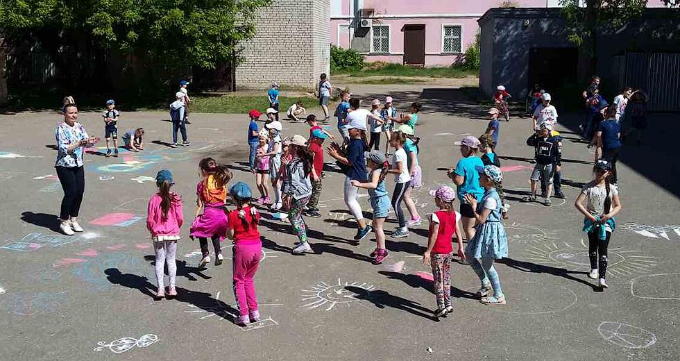 Первая смена летних пришкольных лагерей — позади