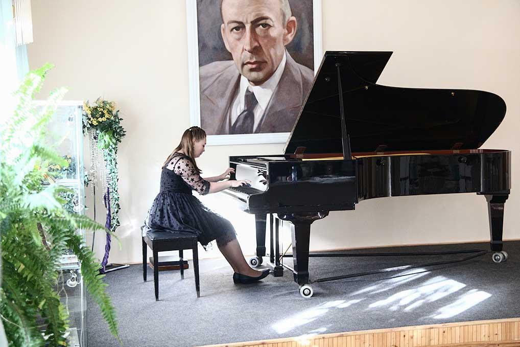 Пианистка Алина Андреева, дипломант I степени.