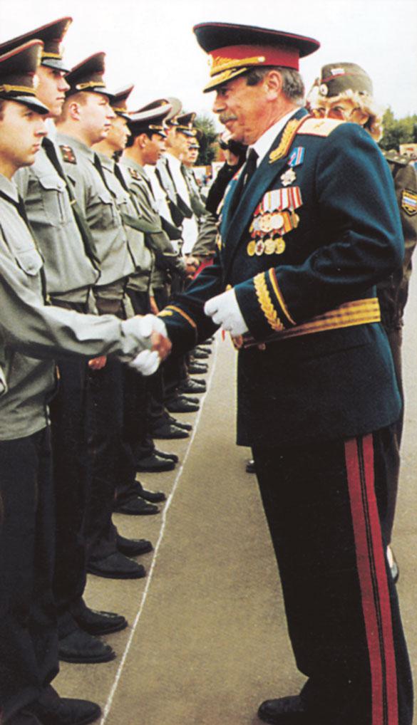 Командир 7 РД с 1986 по 1998 годы гвардии генерал-майор Грибов А.В.