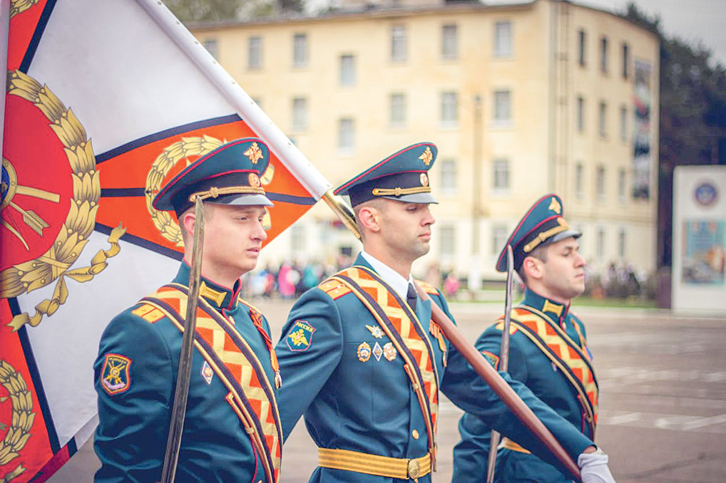 Знаменная группа 1 ракетного полка.