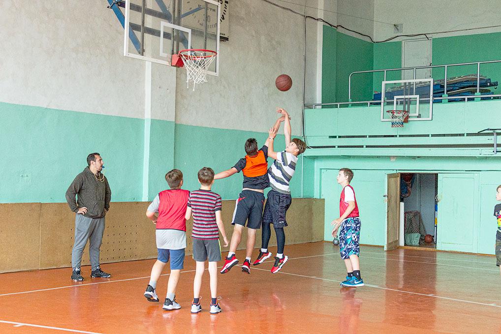 17 июля во Дворце спорта прошел праздничный турнир по стритболу, посвященный 60-летию Озерного и нашего ракетного соединения.