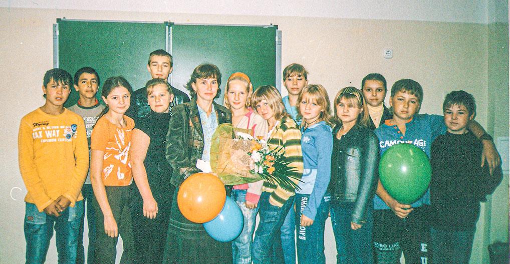 2007 год. Татьяна Владимировна с учениками 7 класса школы №2.