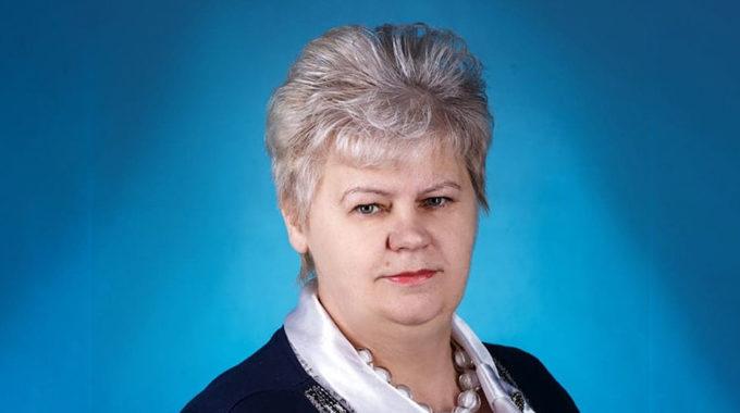 Директор бежецкой школы Наталья Ямщикова призывает всех привиться от COVID-19